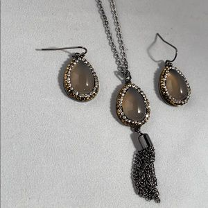 Earring and necklace set brand new
